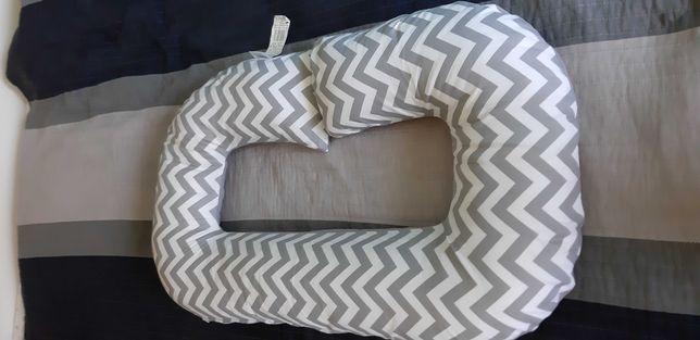 Poduszka dla kobiet w ciąży i matek karmiących