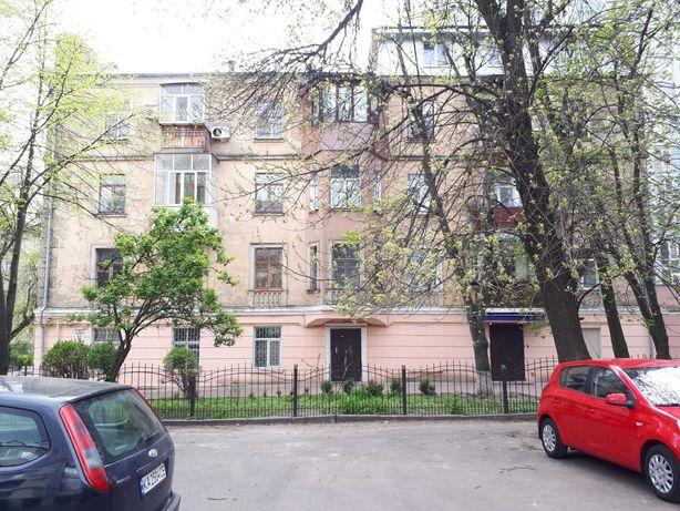 Без % 3 к. Сталинка 102 м2, Ильенко 53-а, метро Лукьяновская 10 мин.