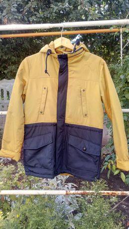 Продам осенью куртку