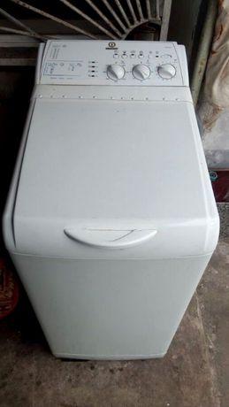 Автомат Стиральная машина с вертикальной загрузкой Indesit