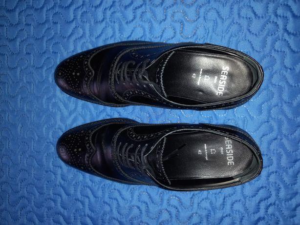 Sapatos Homem tamanho 42