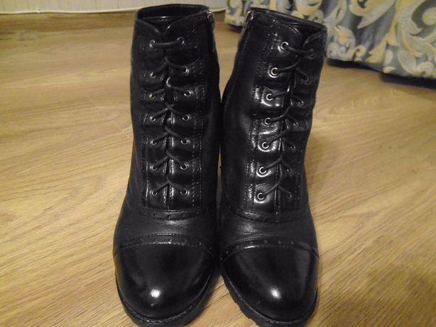 модельные полусапожки ботинки нарядные современные польские 39р.