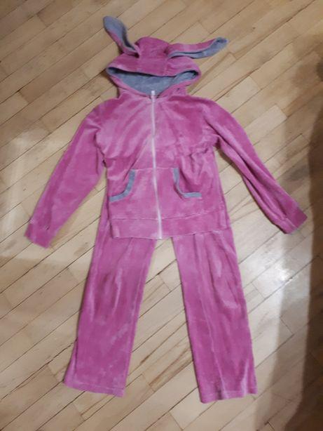 Продам велюровый костюм