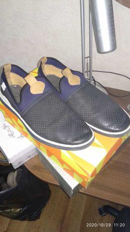 Продам мужскую обувь 5 пар за 1000₽