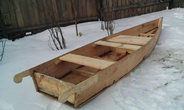 Деревянная лодка вербовая