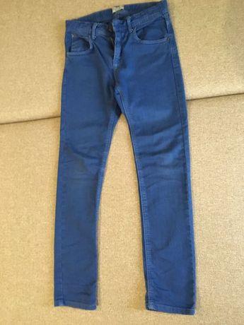 Джинсы Zara зауженные синего цвета на мальчика 12-13лет,рост 140 см