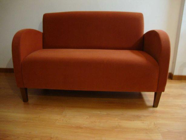 Sofá de dois lugares para sala de espera