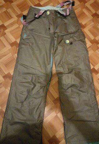 Damskie spodnie na narty/snowboard