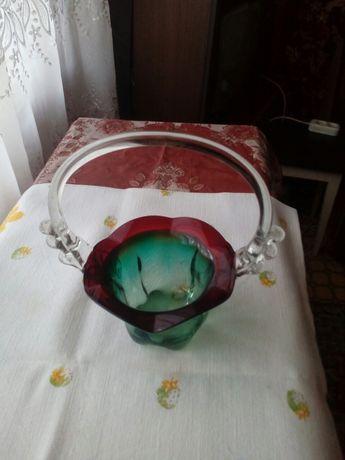 Ваза конфетница корзина из цветного стекла