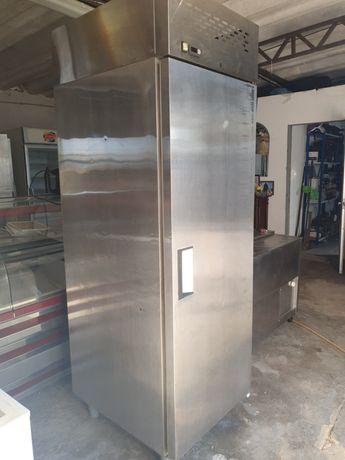Armário vertical de refrigeração