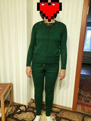 Продам вязаный костюм