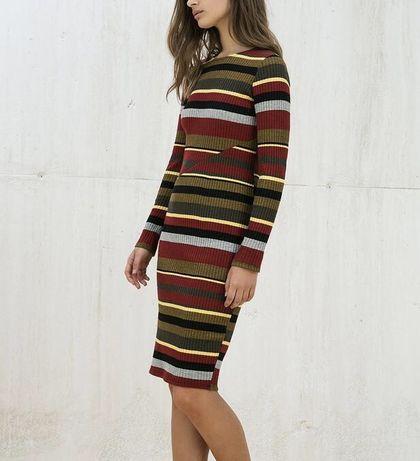 Трикотажное платье рубчик миди сукня плаття по фигуре облегающее zara