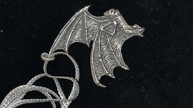 Morcego – pendente com fio PRATA – década de 1960.