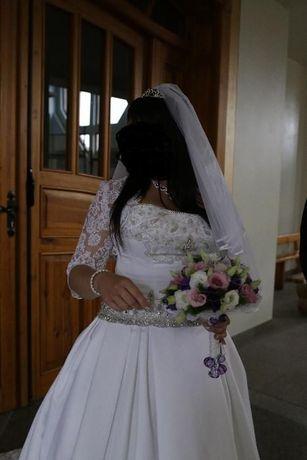 Suknia ślubna z welonem i halką rozmiar 40/42/44 cały zestaw + GRATIS