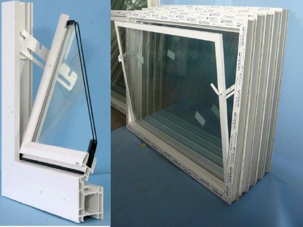 Białe okno/okna inwentarskie do obory, stajni, chlewni garaż