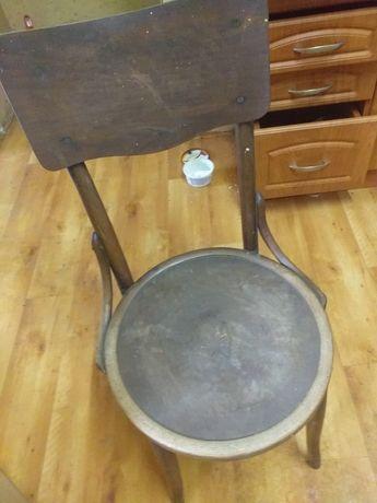 Krzesla starodawne