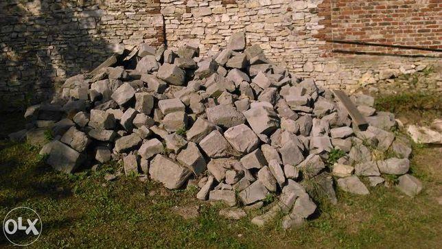 Gruz budowlany pustaki