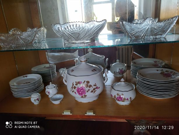 Коростенский столовый сервииз из фарфора на 12 персон (59 предметов)