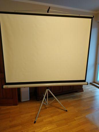 Ekran projekcyjny Nobo