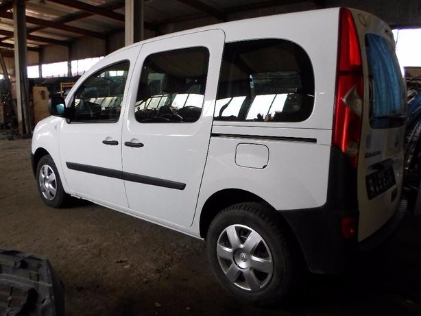 Стекло двери жабра лобовое Рено Кенго Renault Kangoo 2008-17 СКЛО