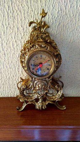 Relógio de Mesa Dourado Quartz Antiguidade Vintage