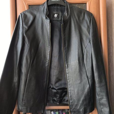 Кожаная чёрная куртка/кожанка