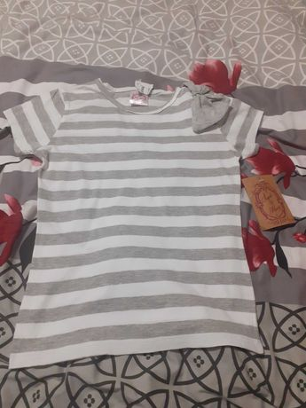 Nowa z metką bluzeczka