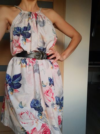 Sukienka w kwiaty Vubu - XS