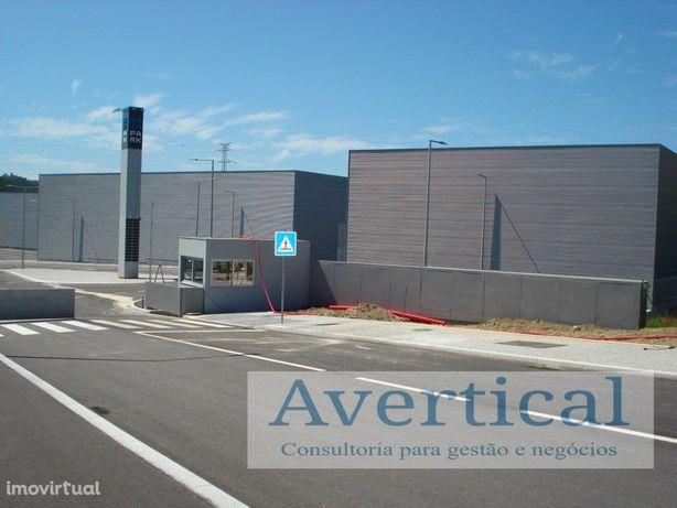 Armazém C/ 300 m2 - Em Complexo Industrial Fechado