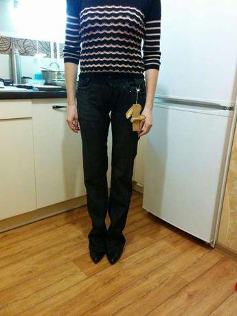 Новые джинсы с биркой 26 р