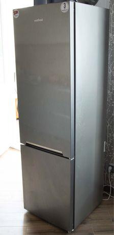 Холодильник Vestfrost CNF289X , большой двухкамерный.