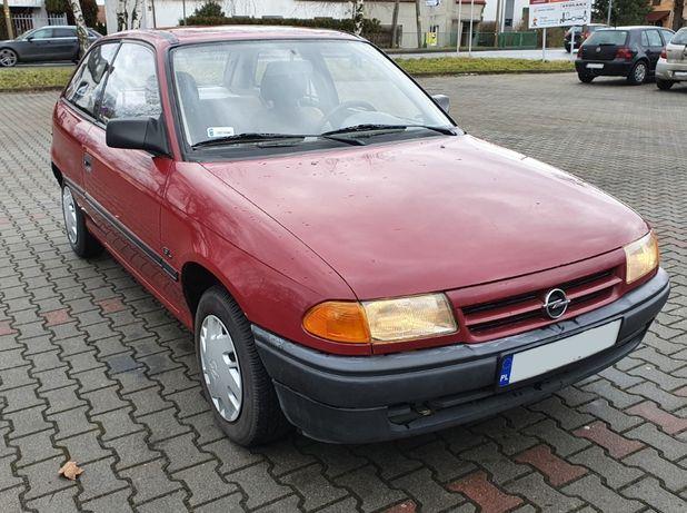 Sprawny Opel Astra F benzyna 1.4l