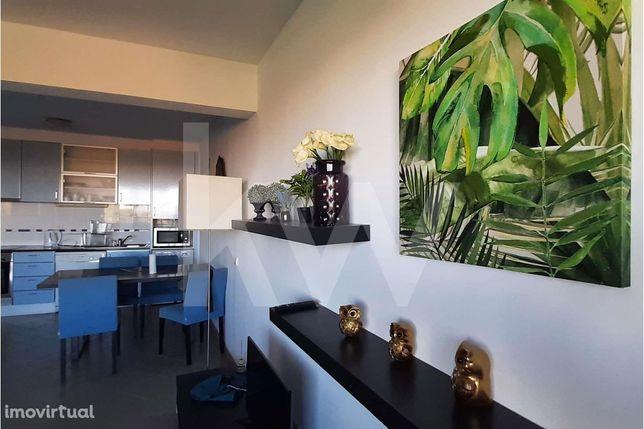 Excelente apartamento T1 + 1 - Edificio Oceano Atlântico - Praia da Ro