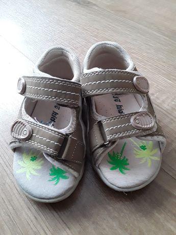 Sandałki dziecięce roz 20
