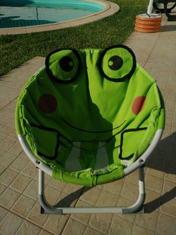 Cadeira de criança motivo sapo