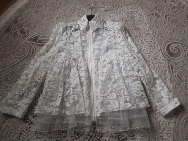 Кружевная блуза, пиджак