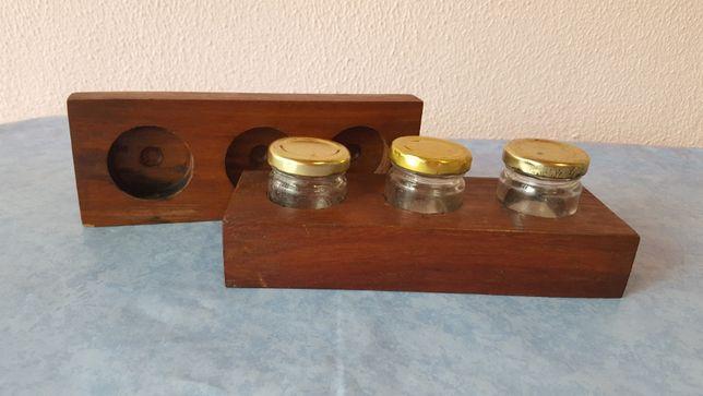 Caixa Madeira com frascos de vidro