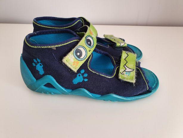 Pantofle Pantofelki Befado 26