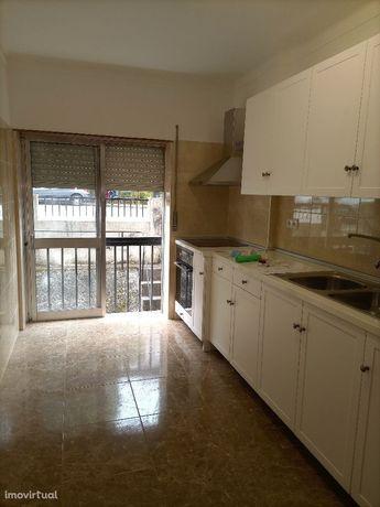 Apartamento T2+1 sem mobilia. Junto a Coimbra