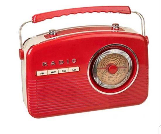 Stylowe czerwone radio retro