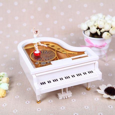Музыкальная шкатулка рояль с танцующей балериной