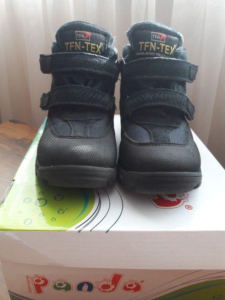 Продам зимние ботинки на мальчика 28 размер