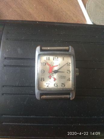 Продам часы слава СССР фигуристка