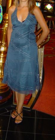 Vestido Lanidor- tamanho 34- seda e organza, bordado com missangas