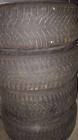 Opony zimowe roczne 195/55/16 goodyear ultragrip