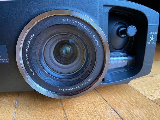 Projektor Panasonic PT-AT6000 (PT-AE8000)