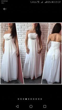 Свадебное платье, сзади шнуровка