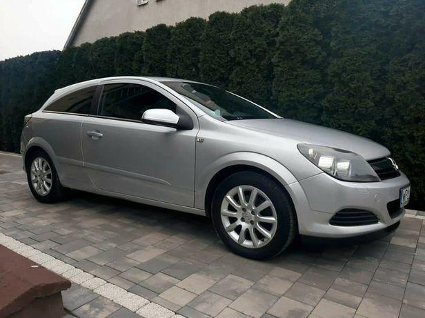 Opel Astra  GTC .