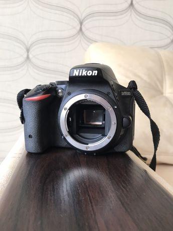 Nikon d5500, з сенсорним екраном та WiFi! Краще, ніж d5100 та d5300