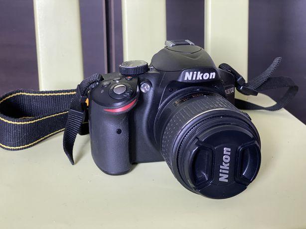 СРОЧНО Фотоапарат nikon d3200 с сумкой и штативом